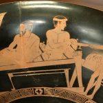 Ein Diener versorgt die Symposiasten mit Wein. Detail einer attisch-rotfigurigen Kylix, 460–450 v. Chr. Foto: Marie-Lan Nguyen